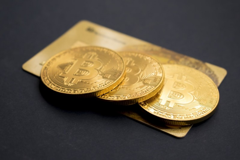 Bitcoin price approached the $52,000 mark