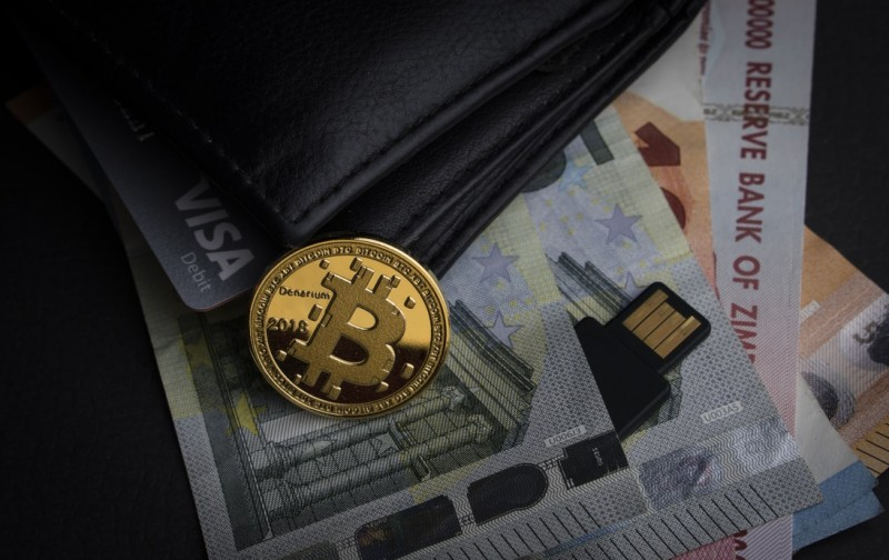 Expert explains why bitcoin is unlikely to rise in price to $100 thousand