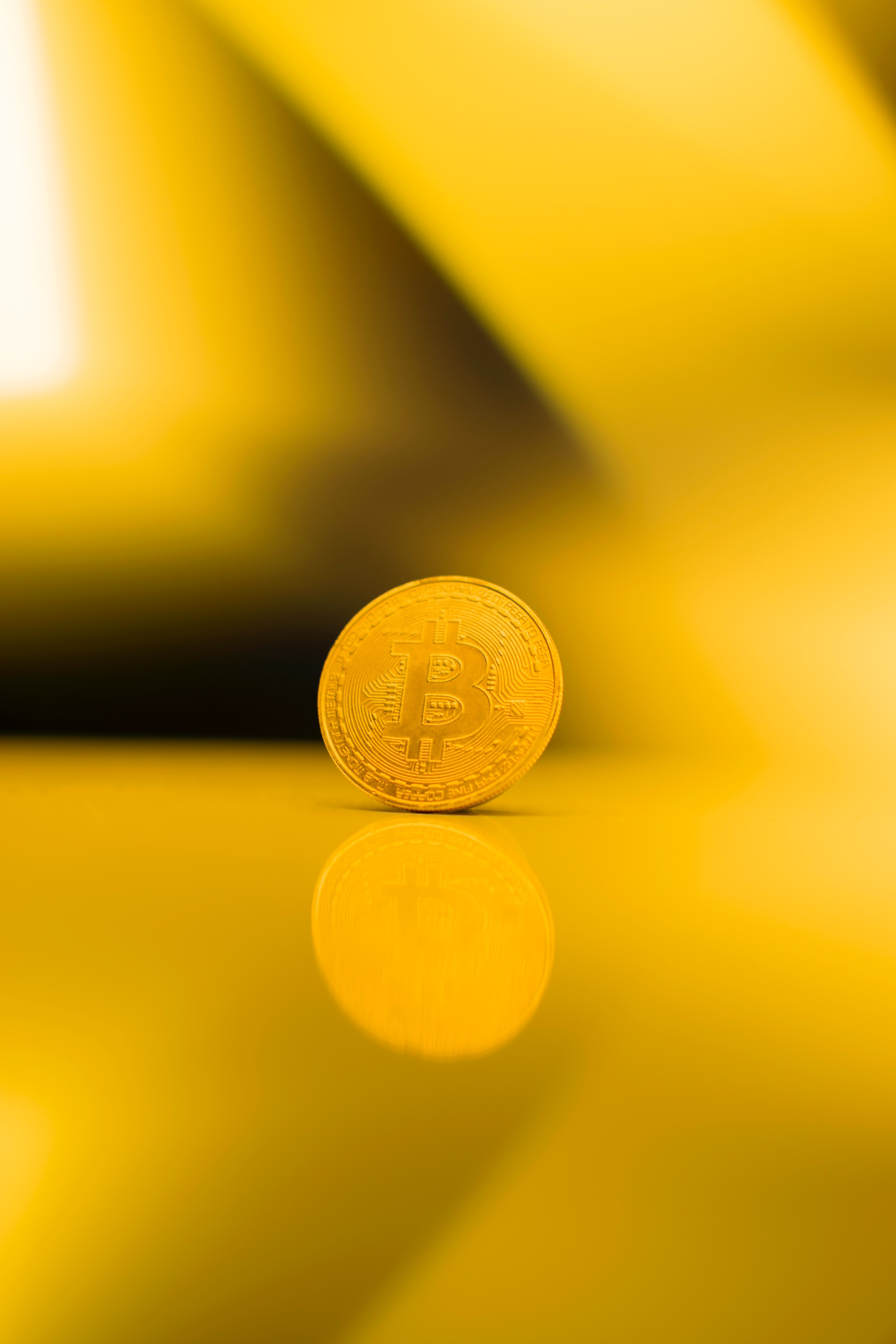 Experts expect bitcoin to soar to $100,000 in 2022
